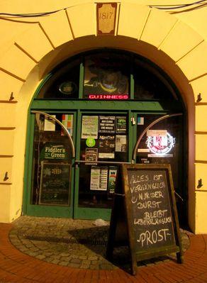 Pub - Tür ...