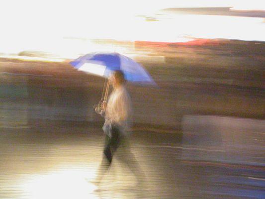 Publikum bei Regen