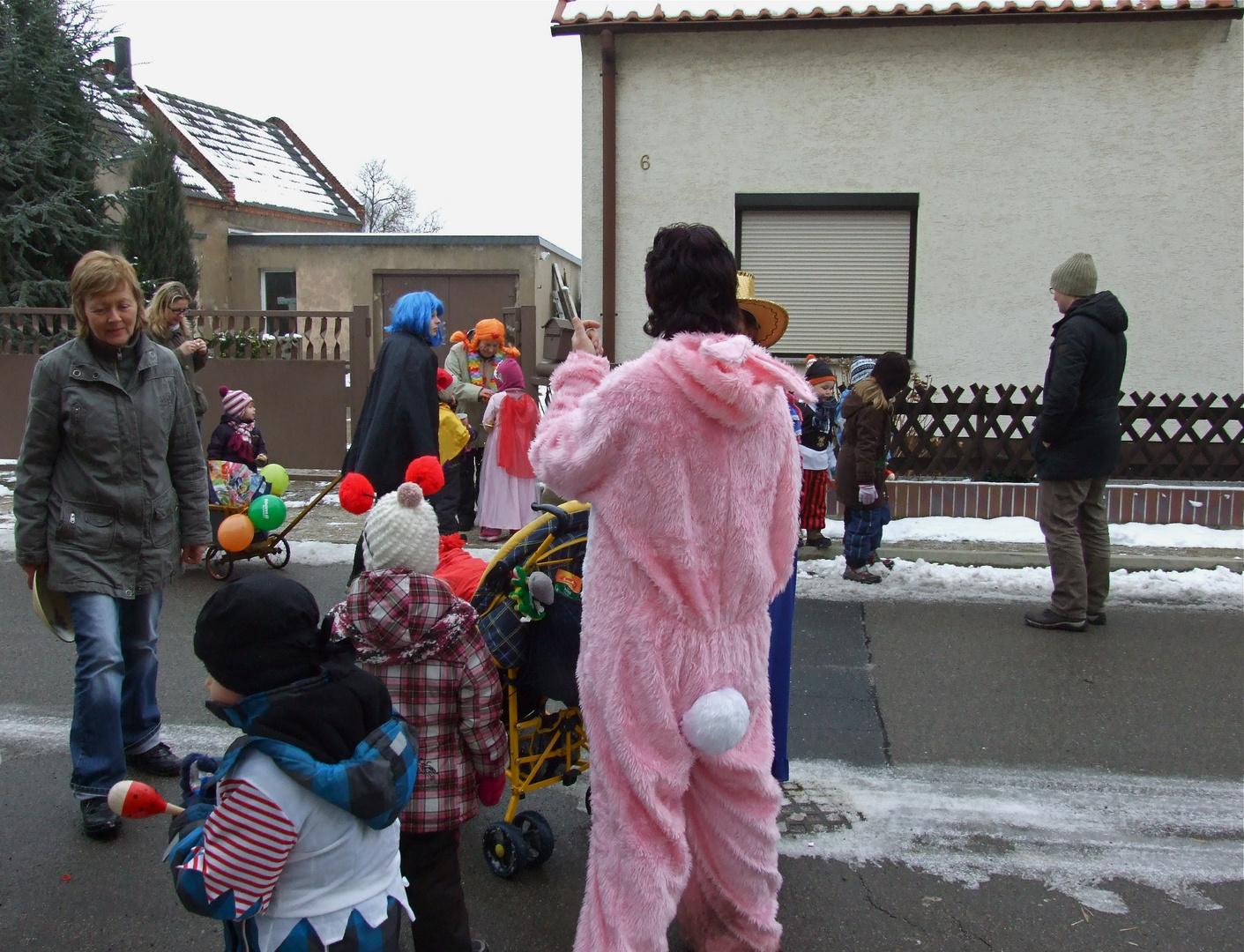°°° Pünktlich wie die Winterlinge - Die Zempersleut vom Kindergarten °°°