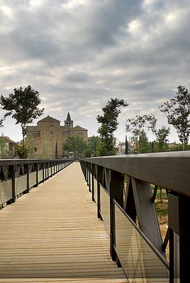 Puente de hierro sobre rio Tordera