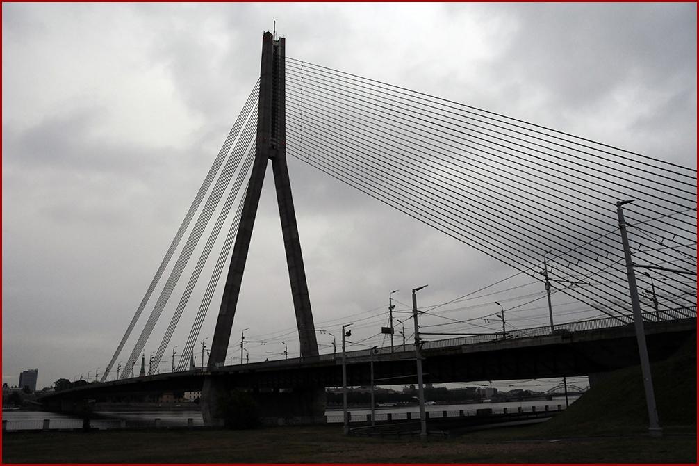 Puente de los cables-Riga