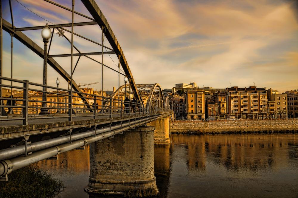 Puente en tortosa ( debajo El Ebro de nuevo)