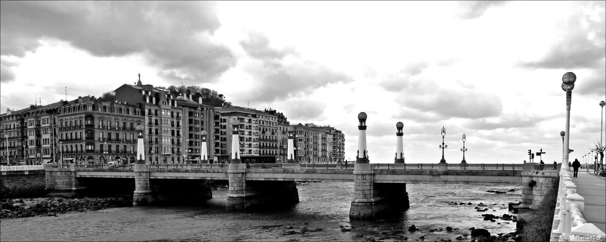 Puente Kursal (San Sebastián-Guipuzcoa)