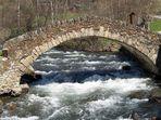Puente románico andorrano