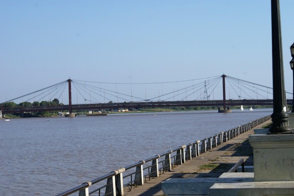 Puente sobre el Rio Parana-Santa Fe- Argentina