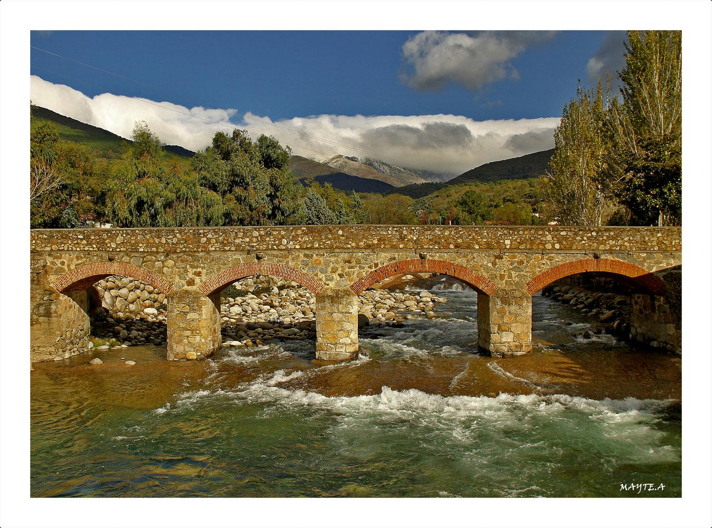 Puente viejo. ( Candeleda ) Avila.