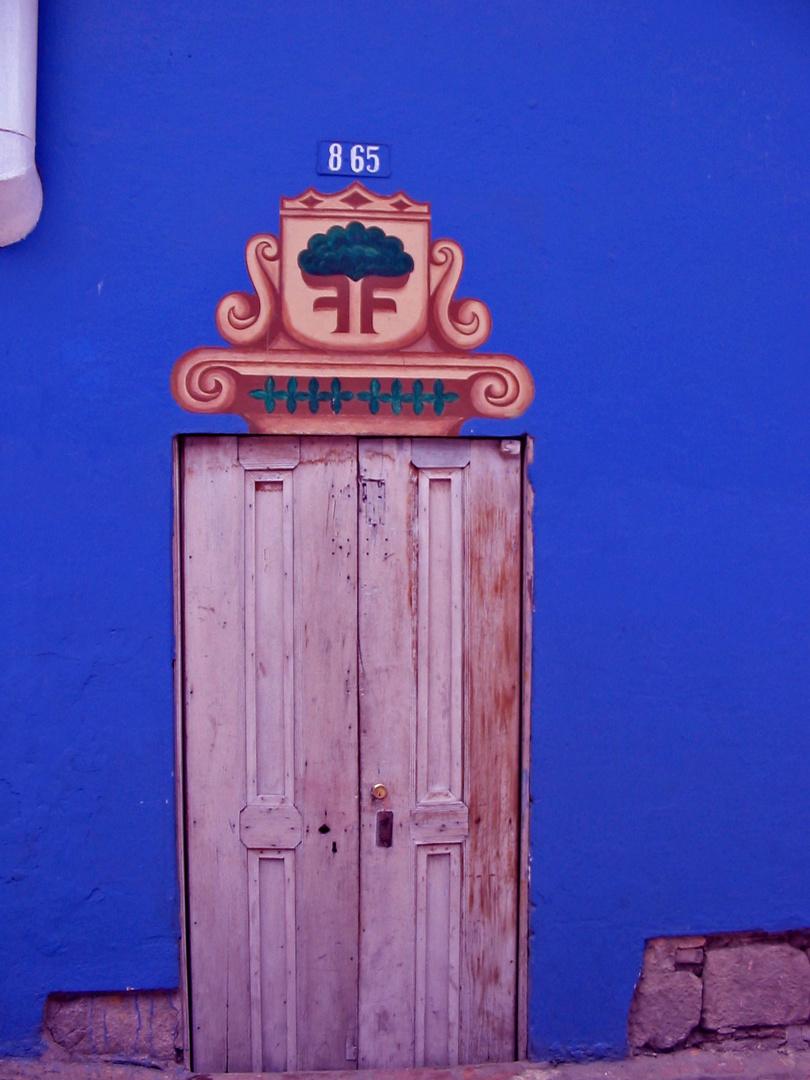 Puerta en La Candelaria Bogotá