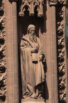 puerta gótica catedral