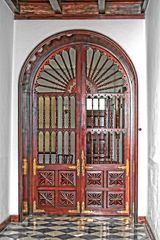 Puerta noble