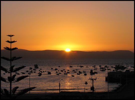 Puesta de sol en la Bahía de Tongoy - Chile