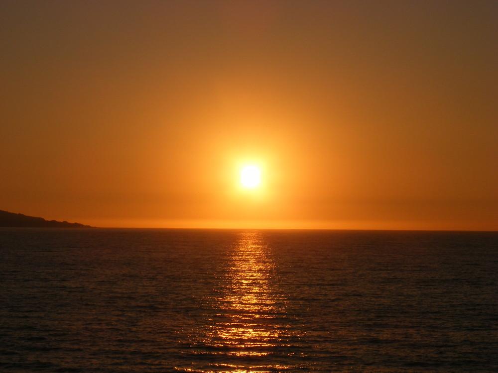 Puesta de sol en vi a de mar chile imagen foto for Puesta de sol