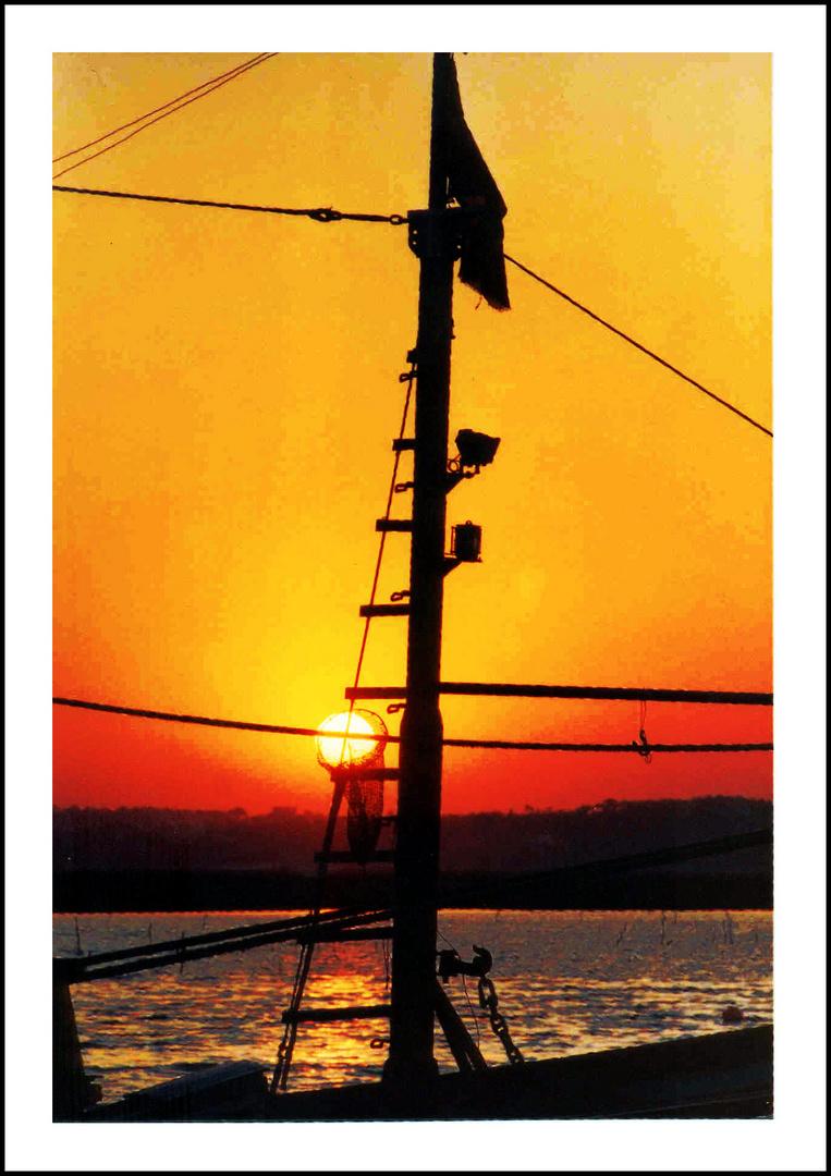 puesta de sol y canasta de 3 puntos