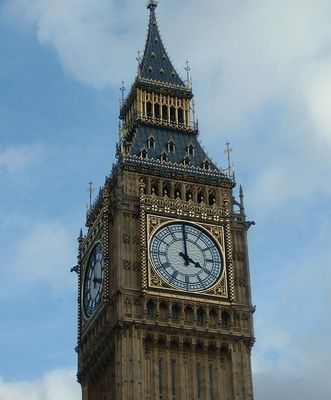 Punkt 4 Uhr nachmittags am Big Ben