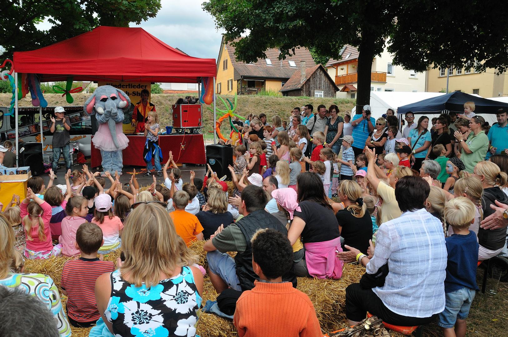 Puplikum Kinderlieder mit Rally Ewersbach