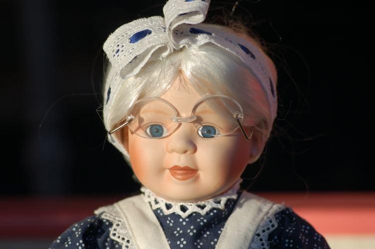 Puppe im Schaufenster