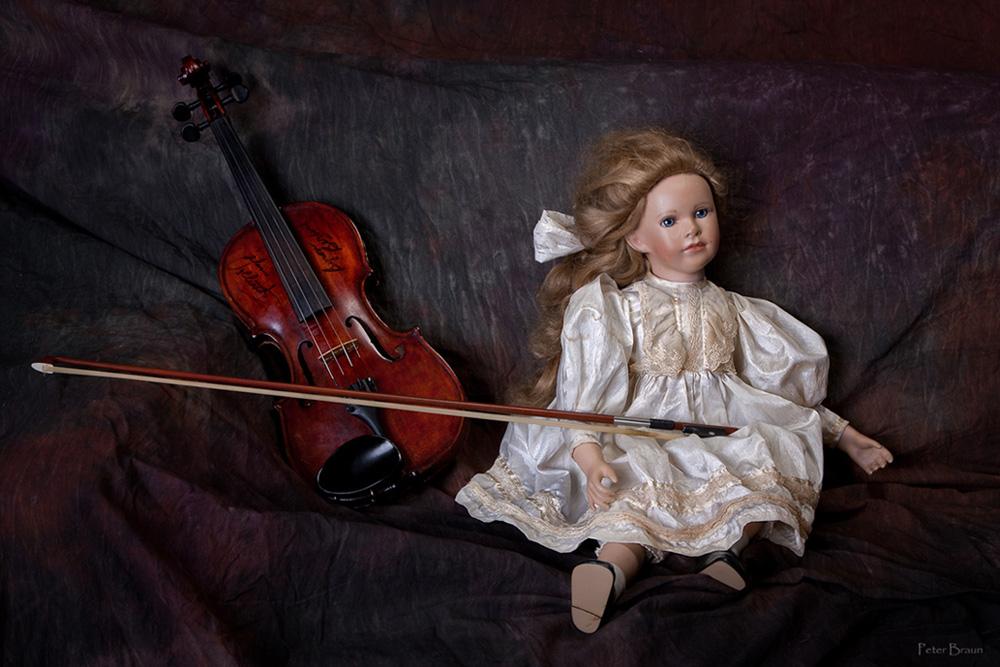 Puppe und Geige