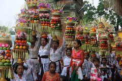 Pura Samuan Tiga, Opfergaben für die Götter