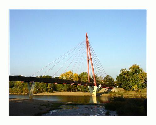 Pylonbrücke in der Abendsonne