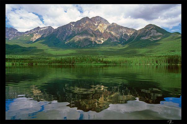 Pyramid Lake mit Pyramid Mt.
