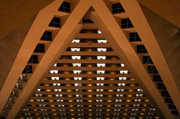 Pyramid Piramide