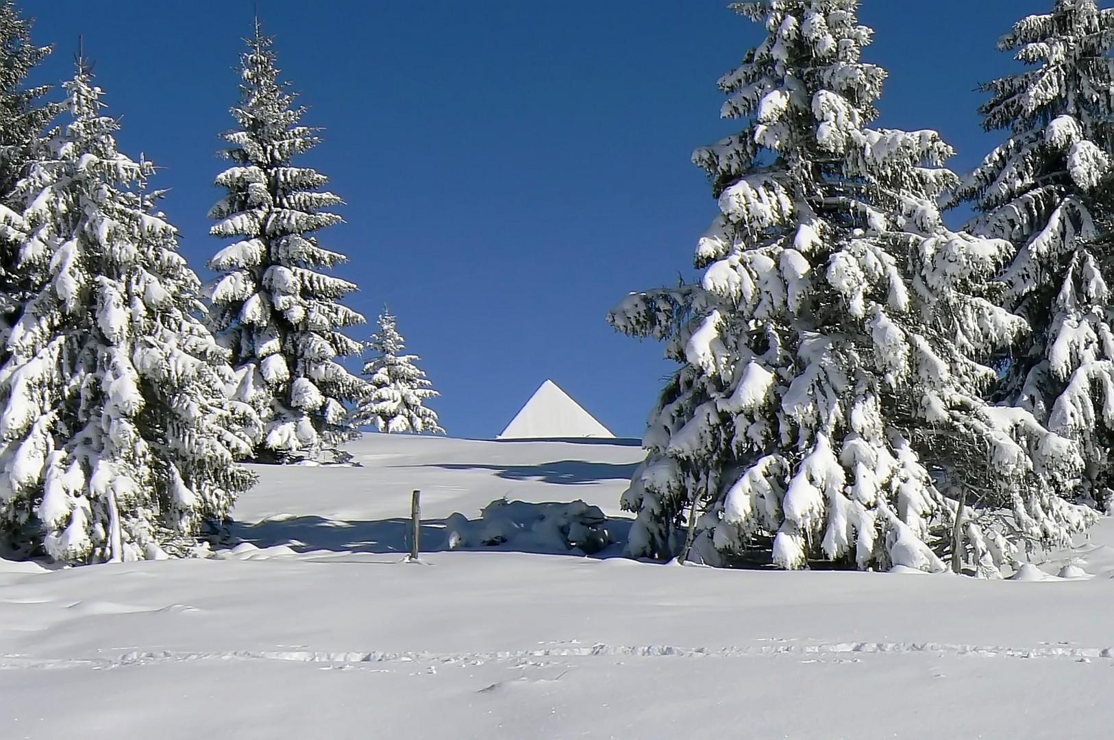 Pyramide ?