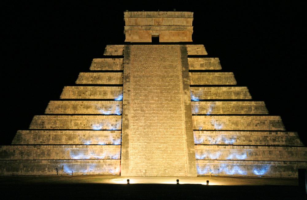 Pyramide von Chichen Itza ( Mexico )