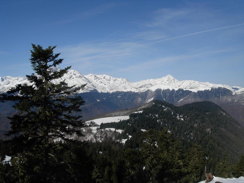 Pyrénées enneigées