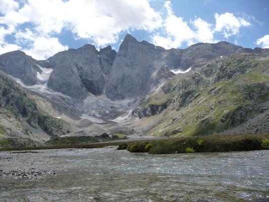 Pyrénées françaises-Au dessus de Cauterets Pont d'Espagne
