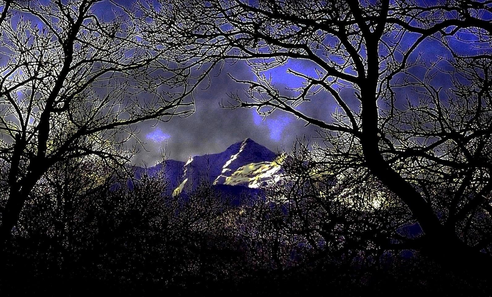 Pyrénées nocturnes