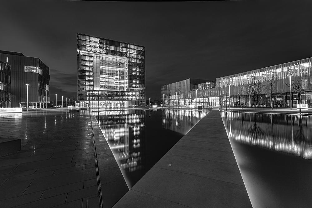 Q1 Hauptverwaltung, TyssenKrupp, Essen in S/W