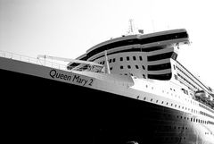 QM2 Hamburg 07.08.2009