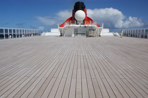 QM2 on Deck to NY
