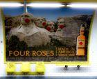 QT quattre roses et trois chaises TQ