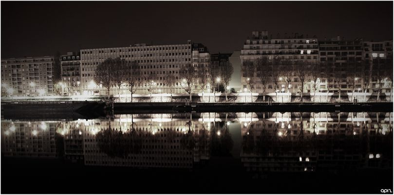 quai de seine by night