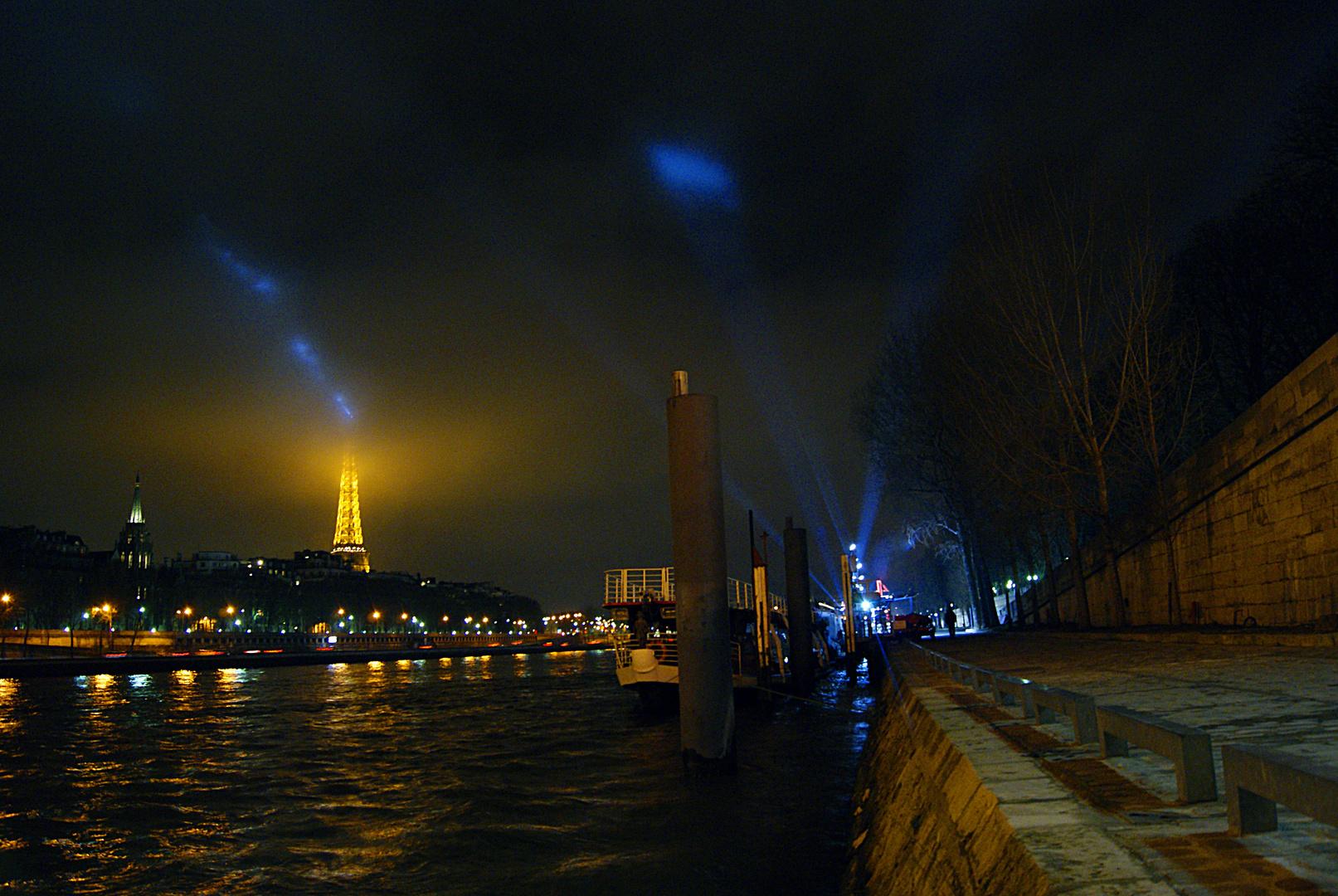 Quai de Seine et Tour Eiffel, Paris