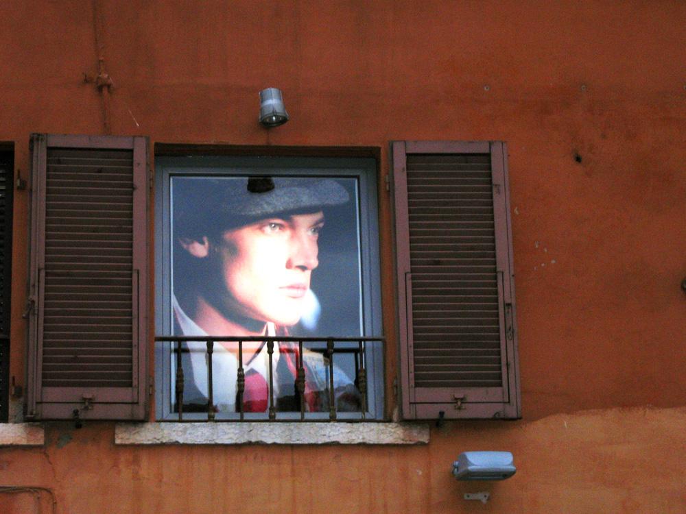 Qualcuno alla finestra