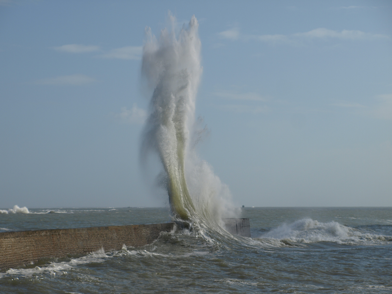 Quand la mer gronde... (Bretagne.56)