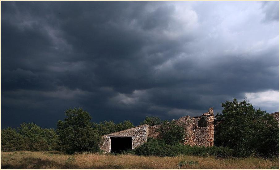 Quand l'orage menace
