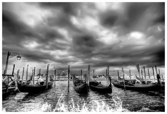 Que c'est triste Venise............versione in b/n
