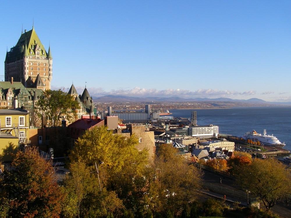 Québec frühmorgens. Stadt am St. Lorenzstrom - am östlichen Rand von Canada.
