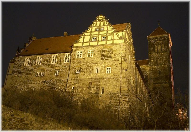 Quedlinburg Castle at 23 hours 43 minutes and 27 seconds
