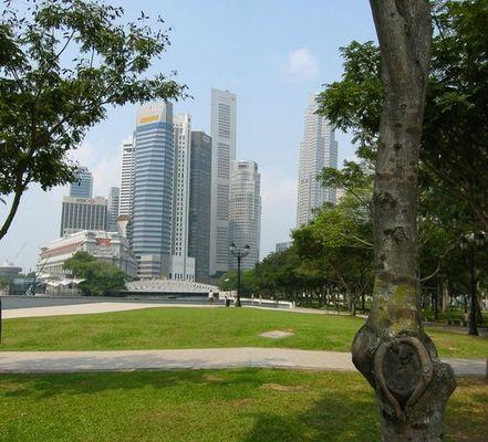 Queen Elizabeth Walk in Singapore