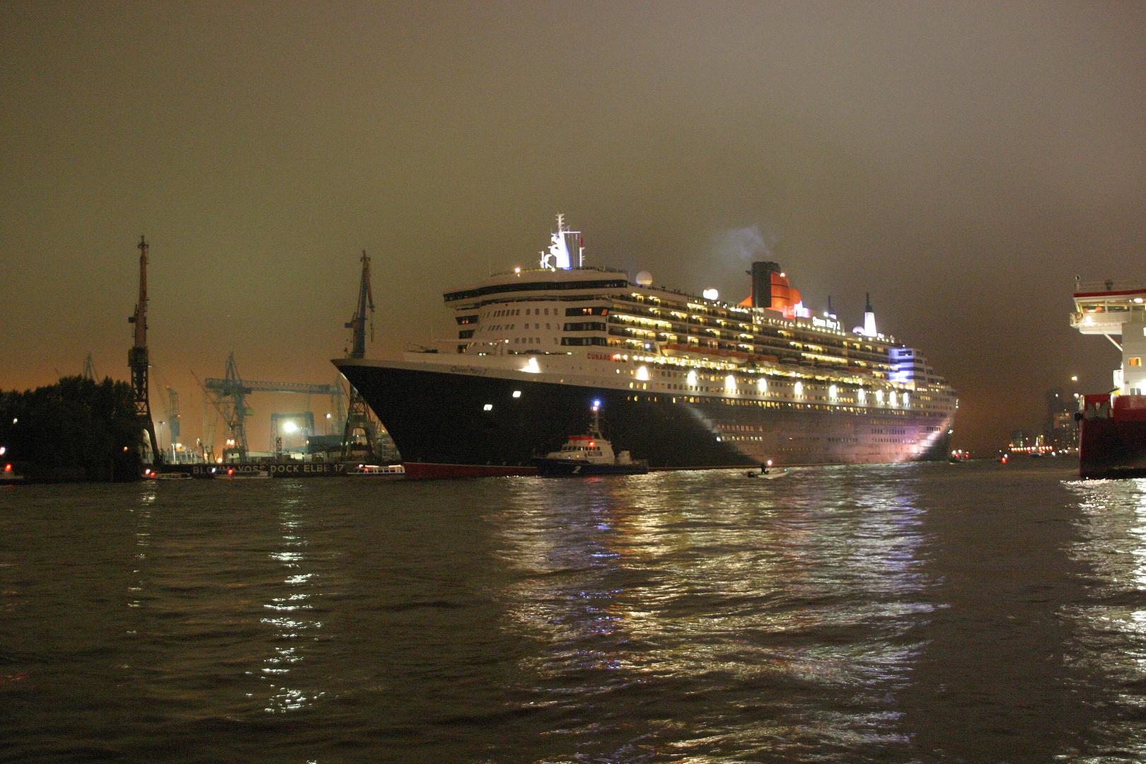 Queen Mary 2 auf dem Hafengeburtstag 2010