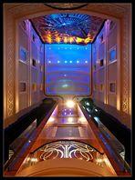 Queen Mary 2 - Aufzug in der Grand Lobby