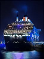 Queen Mary 2 ~blue lights~