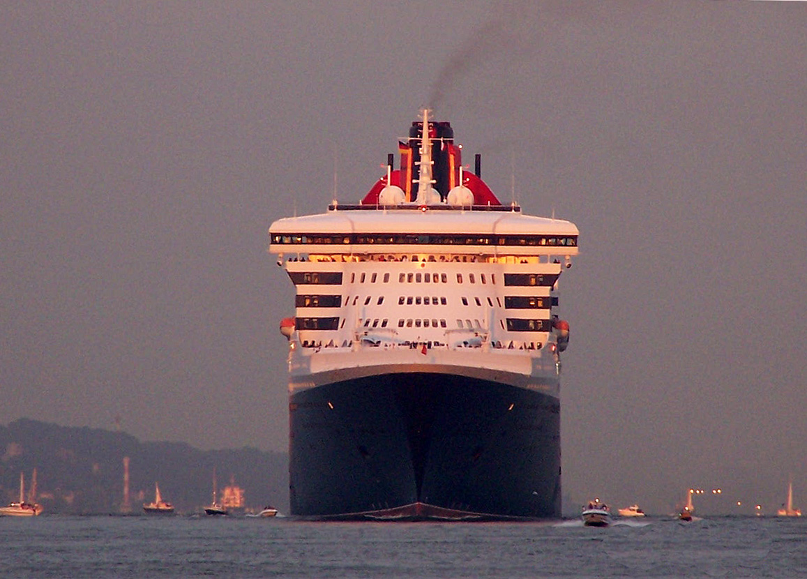 """""""Queen Mary 2"""""""