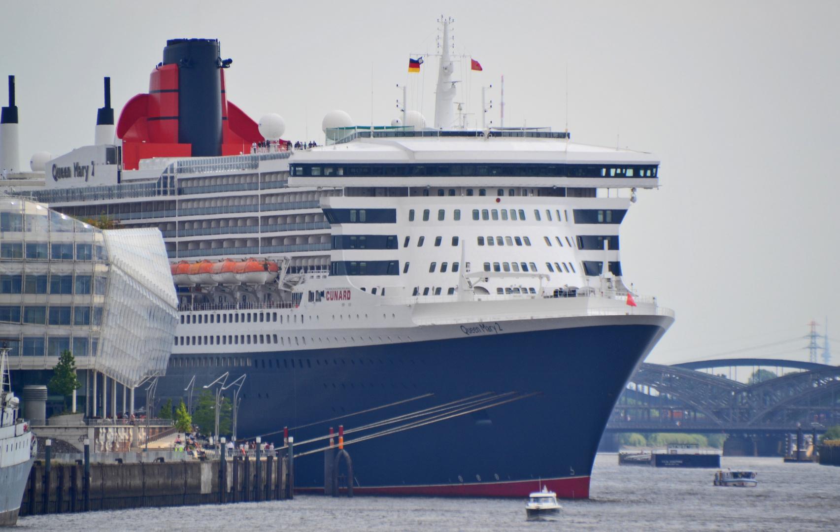 Queen Mary 2 Hafencity Hamburg