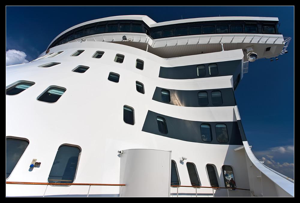 Queen Mary 2 /II.