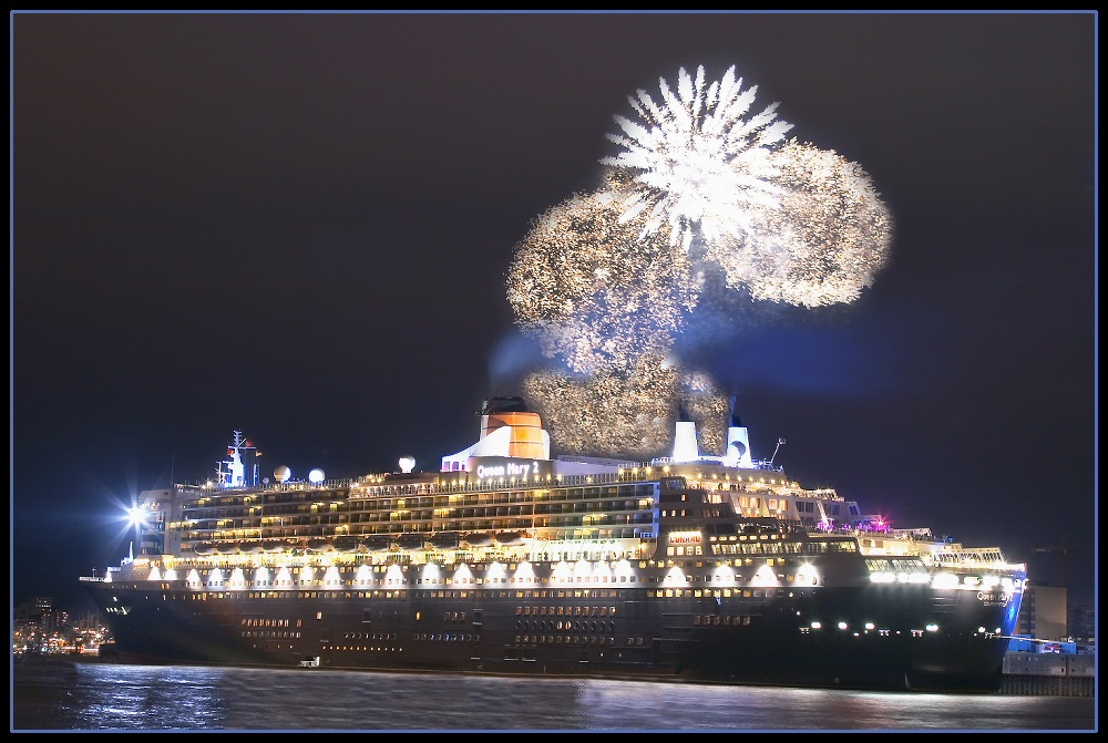 Queen Mary 2 in Hamburg 2005 (part 2)