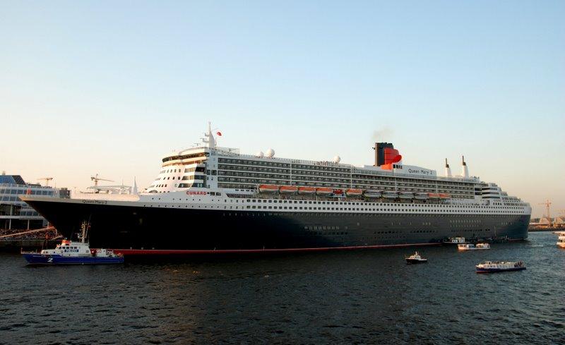 Queen Mary 2 in voller Schönheit